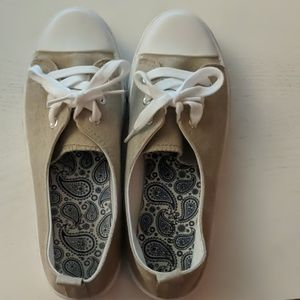 Maurice's tan sneakers